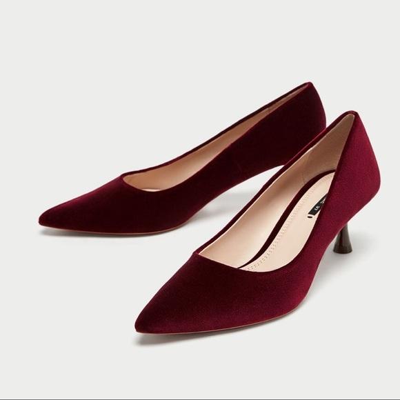 d7fb43f6f76 NWT Zara Velvet high heel court shoes 😍